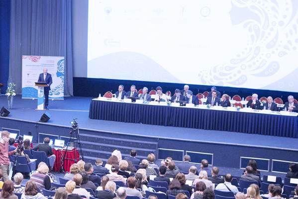 Крупнейшие специалисты обсуждают проблемы женской онкологии